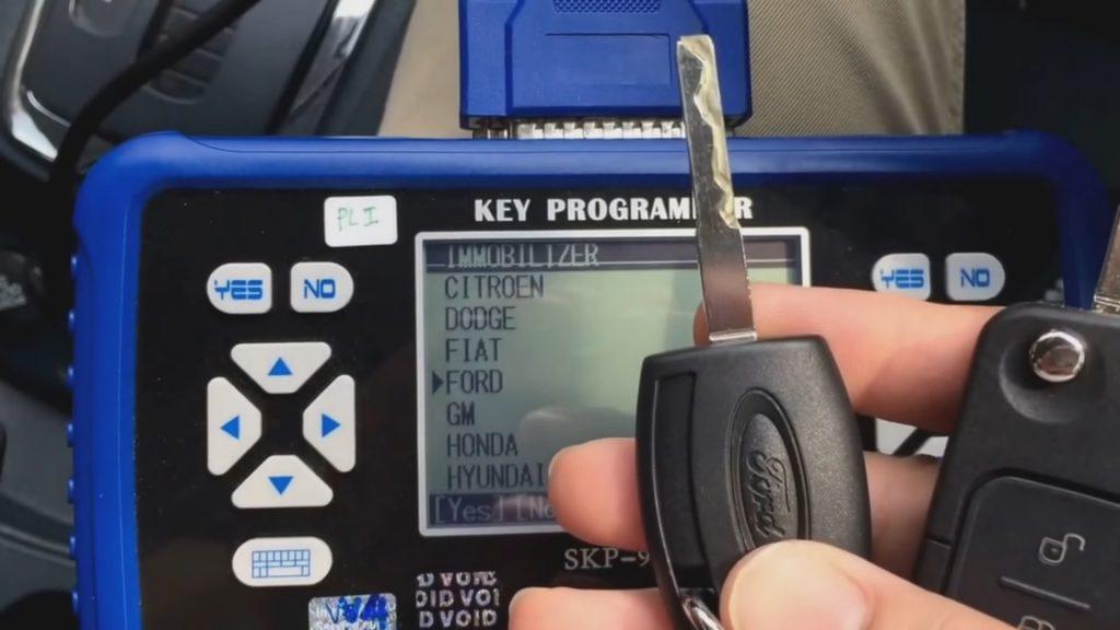 Máy cài chìa khóa thông minh